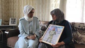 Şehit annesine Anneler Gününde anlamlı hediye
