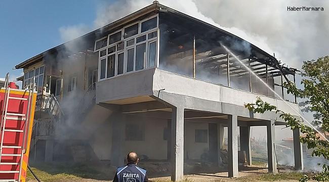 Sobanın üzerinde unutulan süt yangına neden oldu