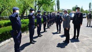 Vali Akın bayramda çalışan kamu görevlilerini ziyaret etti
