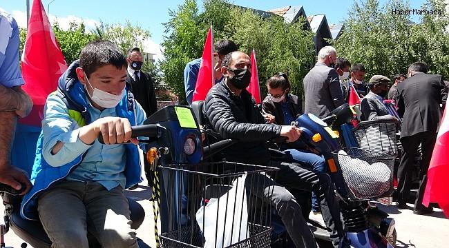 120 engellinin akülü araç ve tekerlekli sandalye sevinci