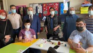 AK Parti Karabük teşkilatından özel çocuklara ziyaret