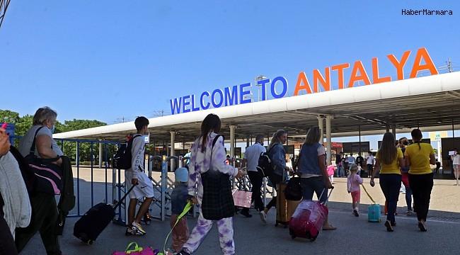 Antalya'nın gözü kulağı Almanya ve Rusya'da