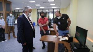 ASÜ'de engelsiz kütüphane teknolojik altyapısıyla dikkat çekiyor