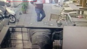 Avcılar'da çay içip masadan kalktı daha sonra bıçakladı:
