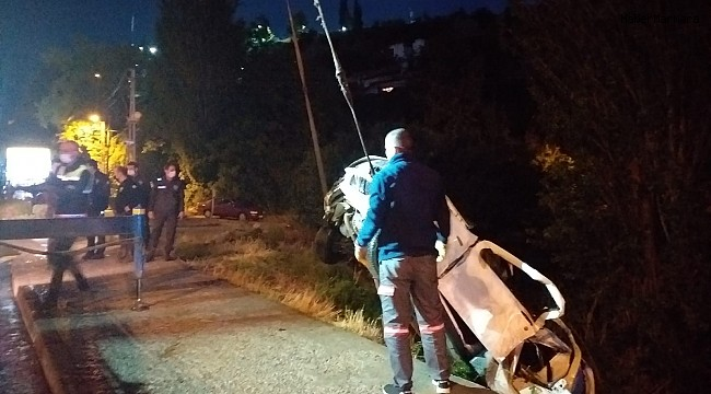 Başkent'te otomobil dereye uçtu: 4 yaralı