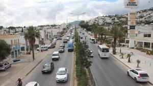 Bodrum'da trafik çilesi erken başladı