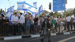 İsrail'de fanatik Yahudilerden bayrak yürüyüşü