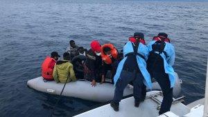 İzmir'de Sahil Güvenlik'ten kaçak göçmen operasyonları