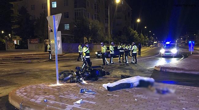 Kaldırıma çarpan motosikletin sürücüsü hayatını kaybetti