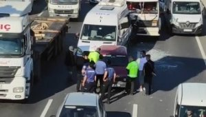Kocaeli'de zincirleme kaza: 2 yaralı