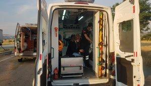 Kontrolden çıkan otomobil karşı şeride geçip takla attı: 3 yaralı