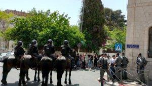 Kudüs'te İsrail mahkemesi önünde İsrail güçleri ve Filistinliler arasında arbede: 1 gözaltı, 2 yaralı