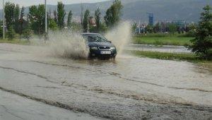 Kütahya'da sağanak yağış