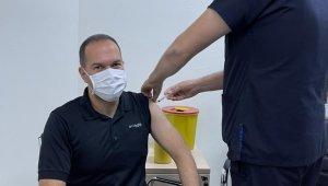 Niğde Belediye Başkanı aşı oldu, herkesi aşıya davet etti