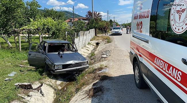 Su kanalına uçan otomobilde 3'ü çocuk 5 kişi yaralandı