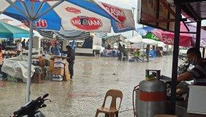 Şuhut'ta sağanak yağış etkili oldu