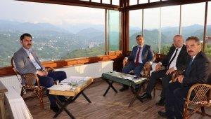 Çevre ve Şehircilik Bakanı Kurum, 'Anadolu Soruyor'un konuğu oldu