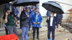 İçişleri Bakanı Süleyman Soylu Güneysu'daki afet bölgesinde incelemelerde bulundu