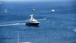 Milyon dolarlık yatıyla gelen ünlü milyarder Yaroslavsky Bodrum'da keyif yapıyor