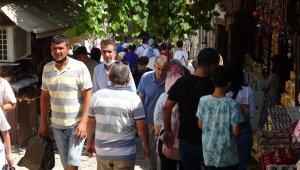 Osmanlı diyarı Safranbolu'da hafta sonu bereketi