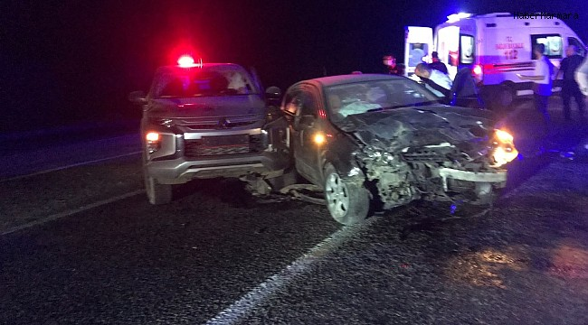 Adıyaman'da otomobil ile kamyonet çarpıştı: 6 yaralı