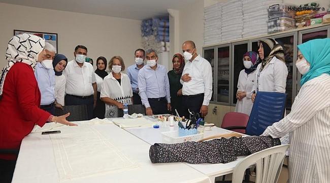 AK Partililer Kadın Meslek Zenginleştirme Merkezi çalışanlarıyla bir araya geldi