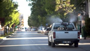 Aksaray Belediyesi şehir genelinde ilaçlama seferberliğini sürdürüyor