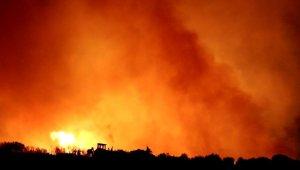 Alaşehir Belediyesi ekipleri Buldan yangınına koştu