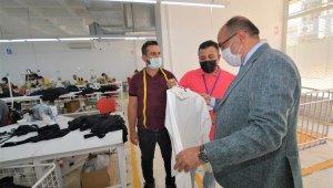 Başkan Çöl, tekstil atölyesini inceledi