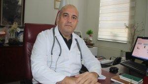 """Doç. Dr. Altıntop: """"Sağlık çalışanlarında aşıdan sonra ölümle sonuçlanmış vaka yok"""""""
