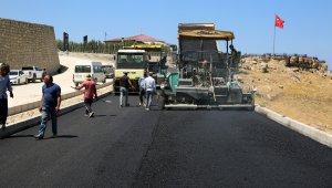 Edremit TOKİ yolunda asfalt serimi başladı