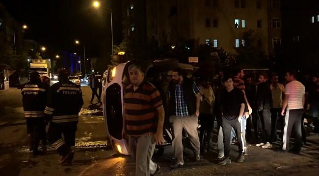 Erzurum'da servis minibüsüyle otomobil çarpıştı: 3 yaralı