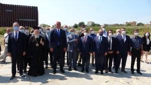 Gökçeada'dan çalınan 12 tarihi ikona, 14 yıl sonra Rum Ortodoks Patriği Bartholomeos'a teslim edildi