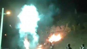 İzmir'de pes dedirten görüntüler: Havai fişek yangın çıkardı, o devam etti