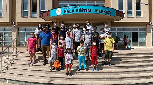 Kur'an-ı Kerim kursu öğrencileri kütüphaneye üye oldu