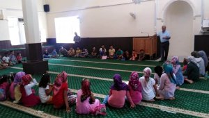 Kur'an kurslarında eğitim sürüyor