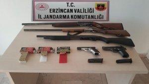 Ruhsatsız tabanca ve av tüfekleri bulunduran şahsa para cezası uygulandı