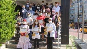 Sinop'ta uluslararası yarışmalarda derece alan öğrenciler ödüllendirildi