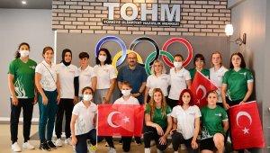 Trabzon'da Busenaz Sürmeneli heyecanı