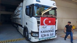 Uşak'tan 4 bin battaniye Kastamonu'ya gitmek üzere yola çıktı