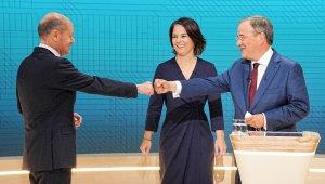 Almanya'da Sosyal Demokratların adayı Scholz, TV tartışmasının galibi oldu