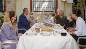Başkan Arda, alzheimer ve demans hastalarını ziyaret etti