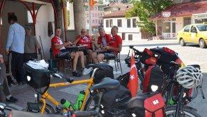 Bisikletle yollara düşen emekli Almanlar, Türkiye'ye hayran kaldı