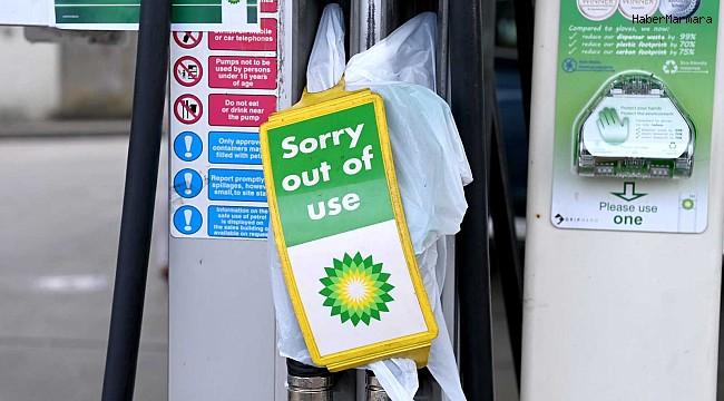 İngiltere'de BP'nin akaryakıt istasyonlarının 3'te 1'inde yakıt tükendi
