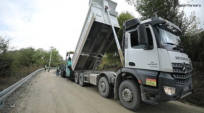 Büyükşehir yol yenileme çalışmlarına devam ediyor
