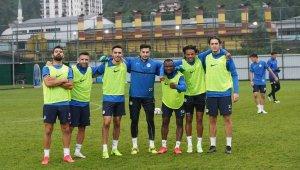 Çaykur Rizespor, Başakşehir hazırlıklarını teknik direktörsüz sürdürdü