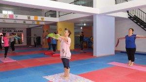 Erdemli'de spor merkezlerine kadınlardan yoğun ilgi