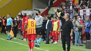 Galatasaray ligde 4 maçtır kazanamıyor