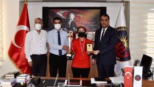 GKV'li satranç şampiyonları ödüllendirildi