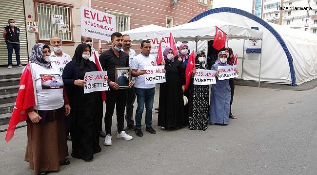 HDP önündeki nöbete bir aile daha katıldı